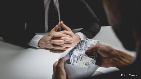 Manager besticht durch Geld